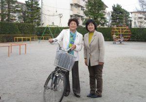 さとう悦子と小平団地内の公園で